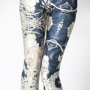 Blackmilk mucha black leggings medium